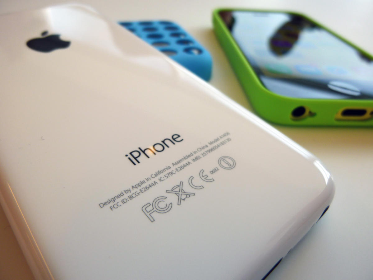 Một công ty ít tên tuổi của Úc giúp FBI mở khóa iPhone vụ bắn súng tại San Bernardino