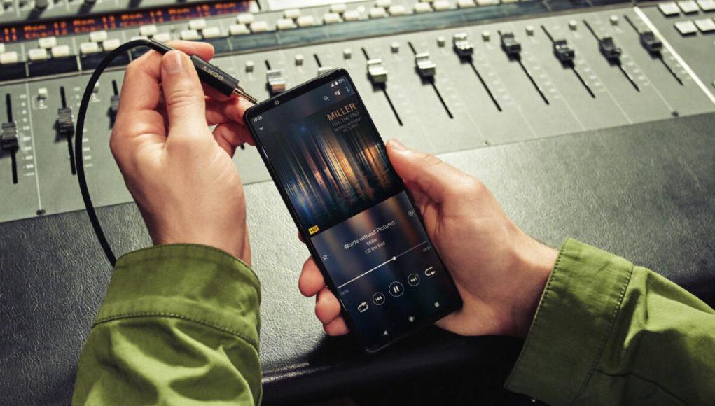 Sony âm thầm sản xuất smartphone giá rẻ mới