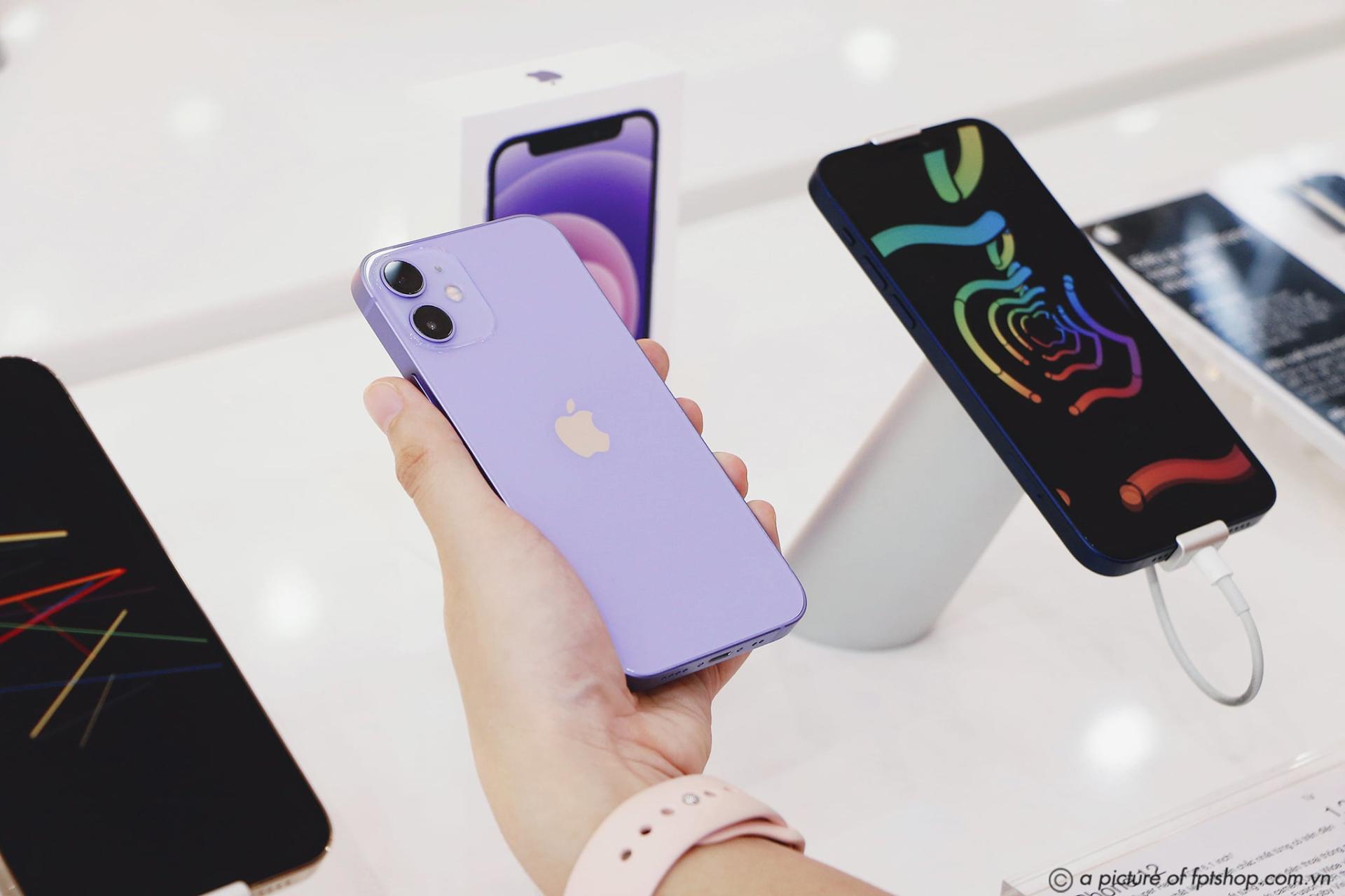 FPT Shop lên kệ iPhone 12 chính hãng màu Tím mới