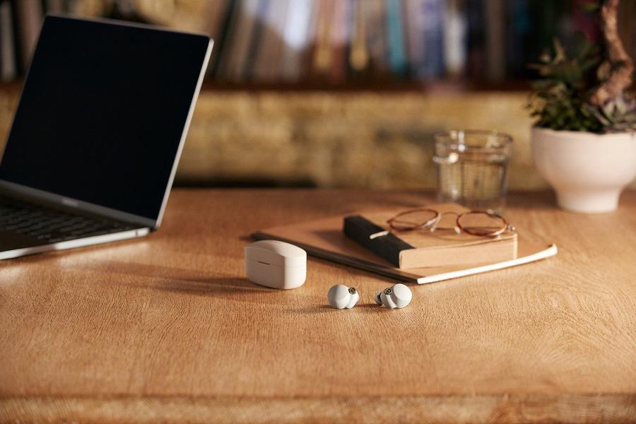 Ra mắt tai nghe Sony WF-1000XM4 cho thời lượng nghe liên tục 8 giờ
