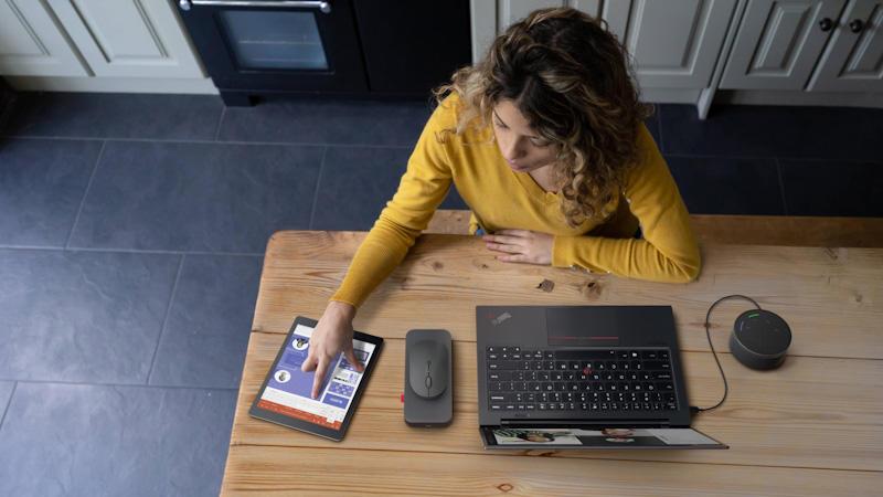 Hoàn thiện văn phòng cá nhân với bộ phụ kiện Lenovo Go