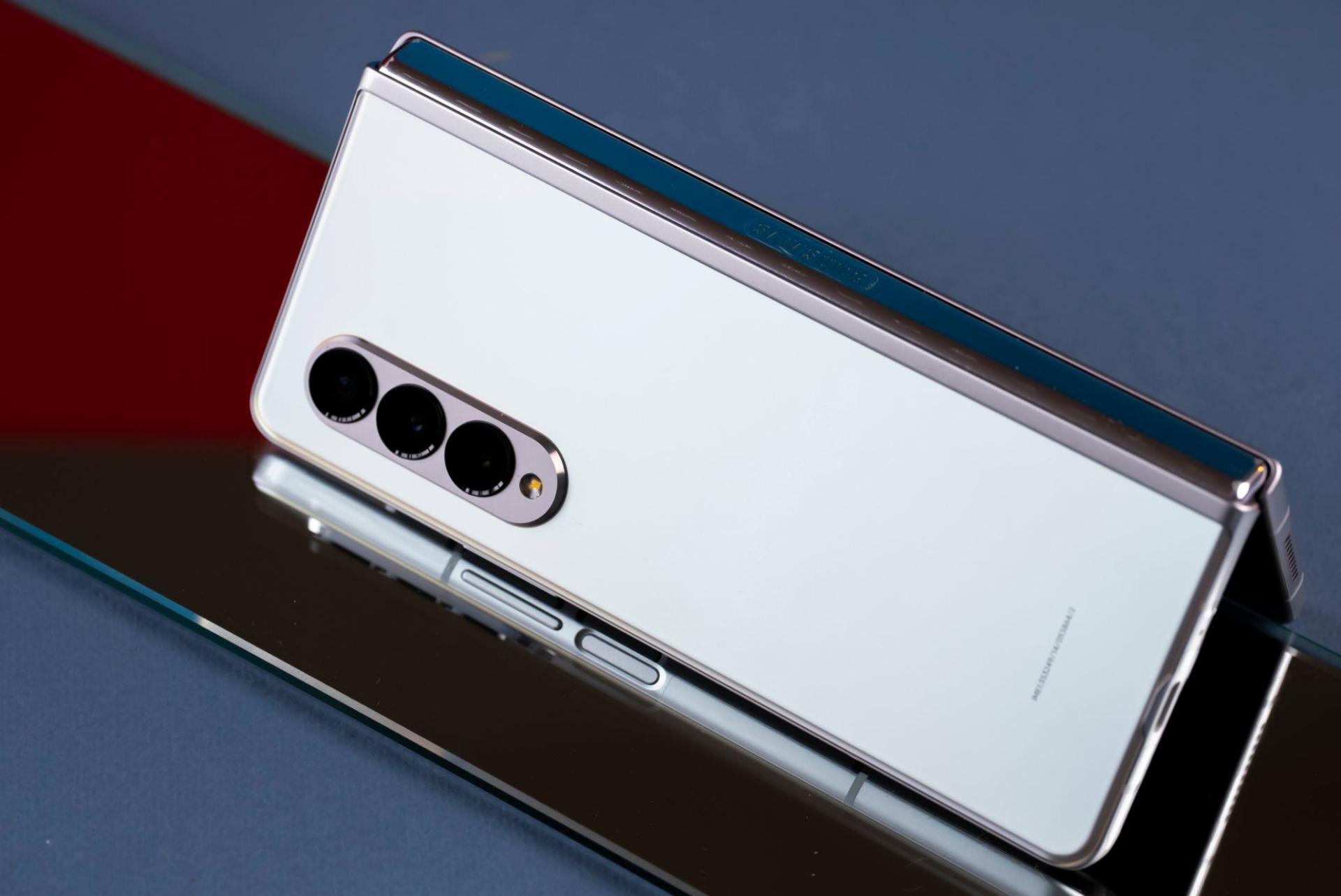 Đặt Galaxy Z Fold3 và Z Flip3 tại Di Động Việt nhận quà tặng đến 6 triệu