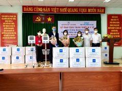 Intel Việt Nam trao tặng máy thở chuyên dụng đồ bảo hộ y tế choTrung tâm Y tế Thành phố Thủ Đức