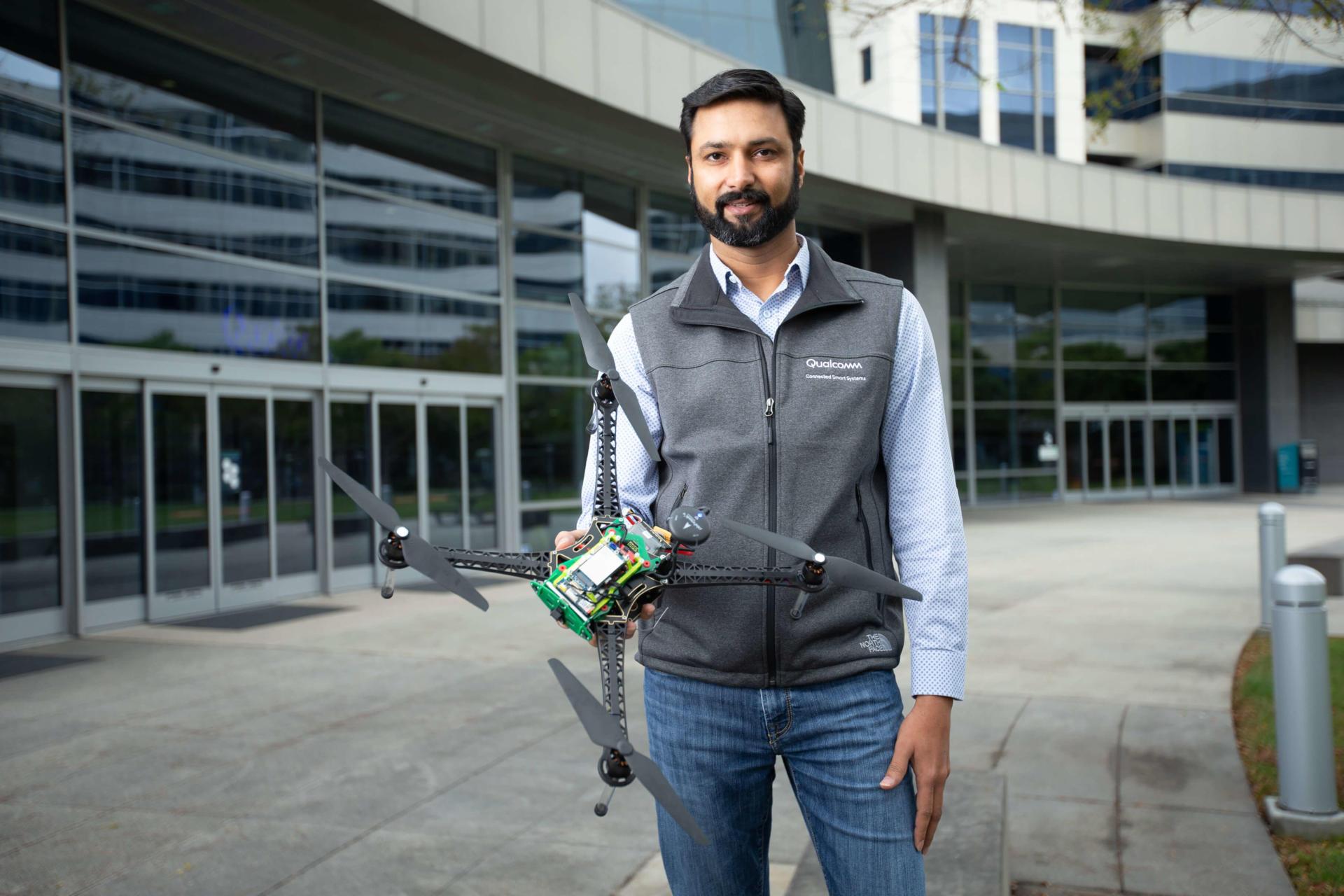 Qualcomm giới thiệu nền tảng Drone được hỗ trợ AI và 5G