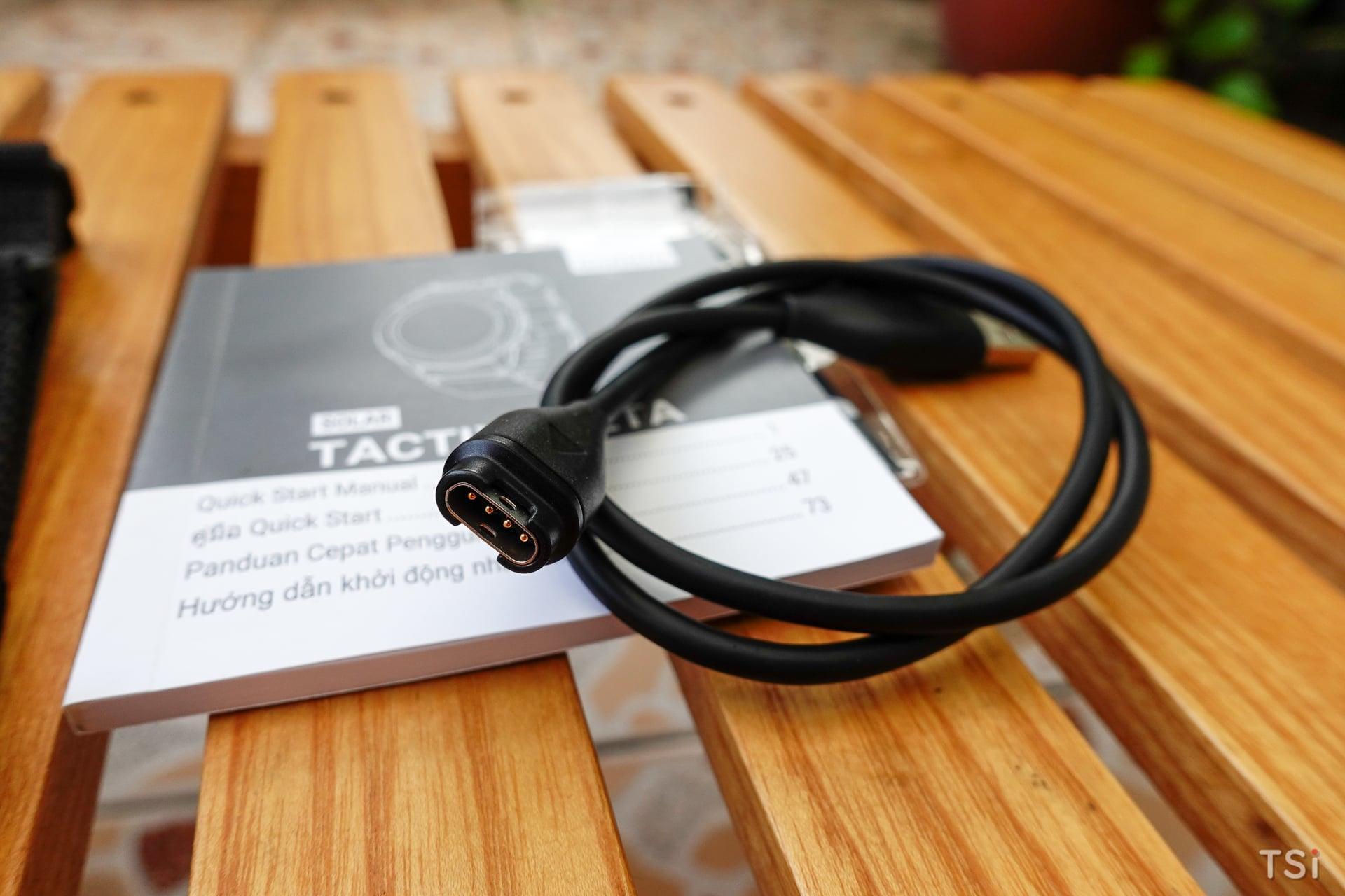 Mở hộp đồng hồ thông minh chuẩn quân sự Garmin tactix Delta Solar