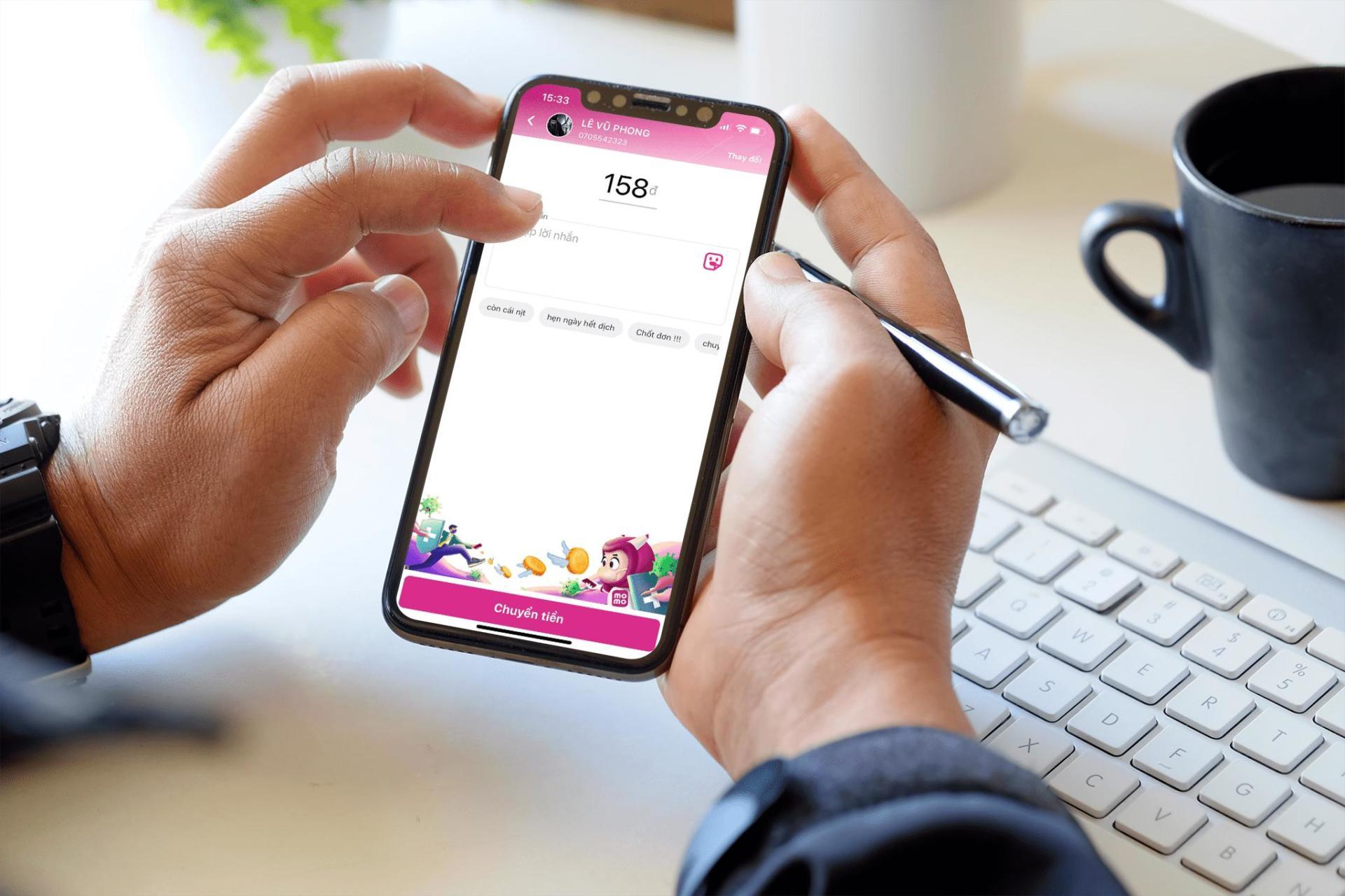 Trung thu chuyển 158đ qua MoMo, đón Sao nhận quà khủng iPhone 12